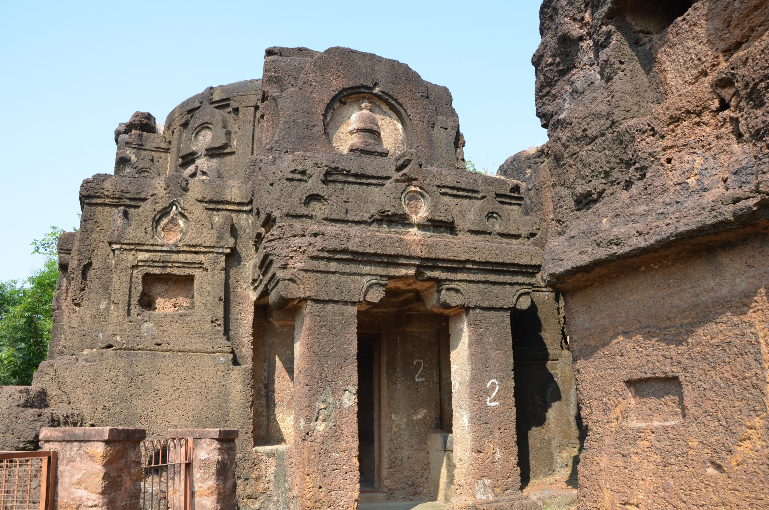 Kolvi Buddhist caves